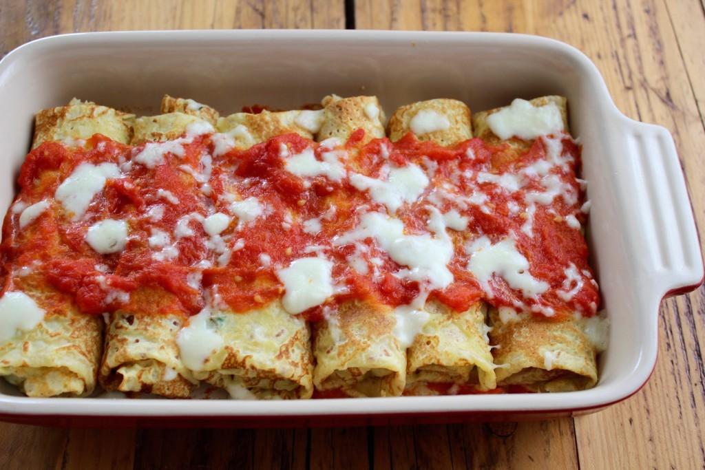 Naleśniki ze szpinakiem i ricottą w sosie pomidorowym 3