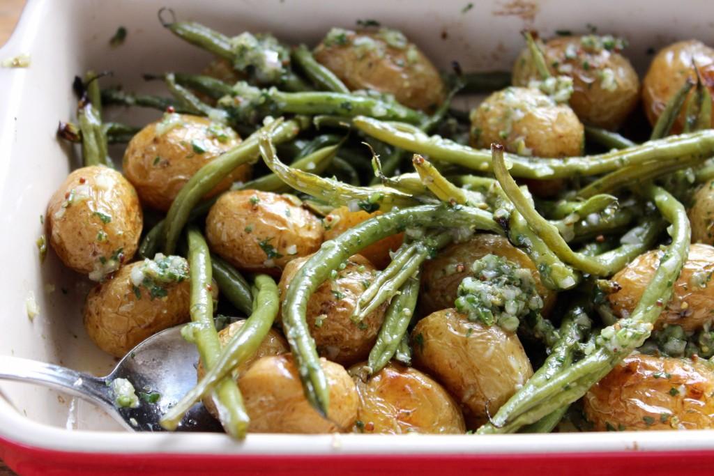 Młode ziemniak pieczone z fasolką szparagową 3