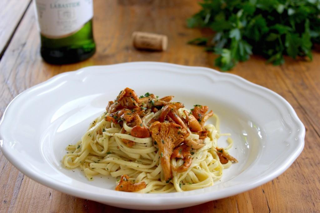 Makaron z kurkami w sosie z białego wina 1