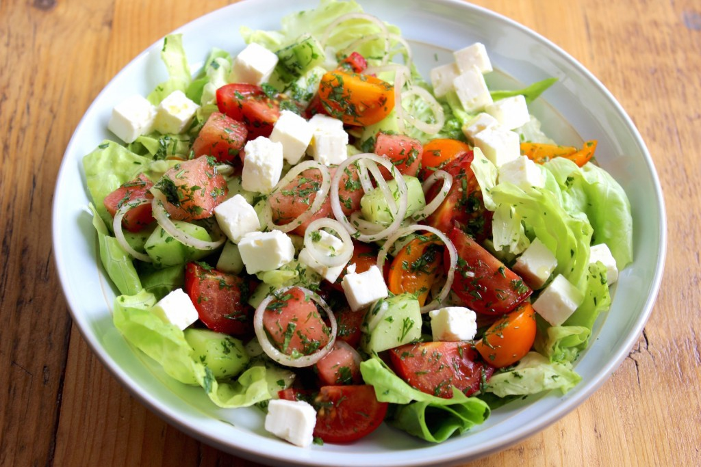 Sałata z arbuza, pomidorów i fety 1